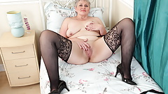 Chunky mature Candy Cummings loves having her fanny filled