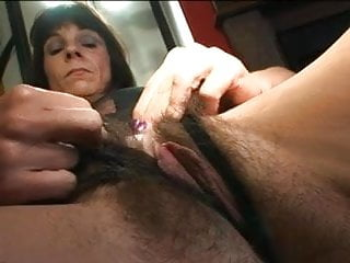 Love dat asian Hairy pussy and cum on dat thick bush