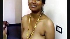 Aunty boobs show