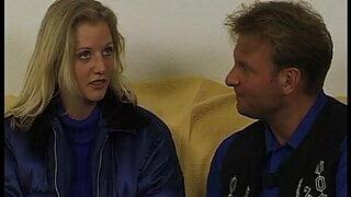 Blonder Feger Susi macht Tell me More Reporter ganz wuschig