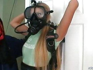 Underwater bondage breathplay
