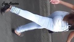 cabeluda rabudinha de jeans