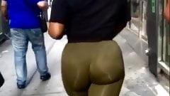Thick ass ebony teen in green leggings omg