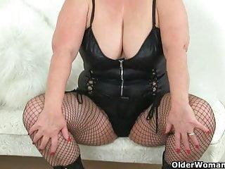 Magical orgasm vibrator English granny lacey starr using her magic wand vibrator