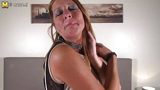 Horny Dutch mature stepmom with hungry cunt