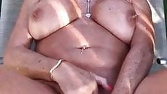 La abuela tiene un orgasmo
