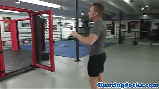 Muscle jock cocksucked on boxing ring
