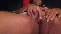 French Mature Nadine masturbation