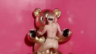 Miley Golden 1