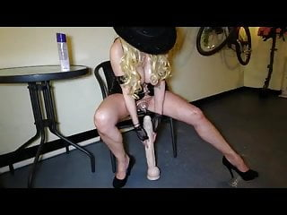 Large dildo insertion amataur Milf 9 large dildo play x