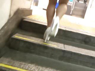 Free heel hi leg pic sexy Sexy legs walk 044