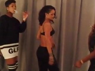 Booty dancing on dick Rihanna and her girls booty dancing clip