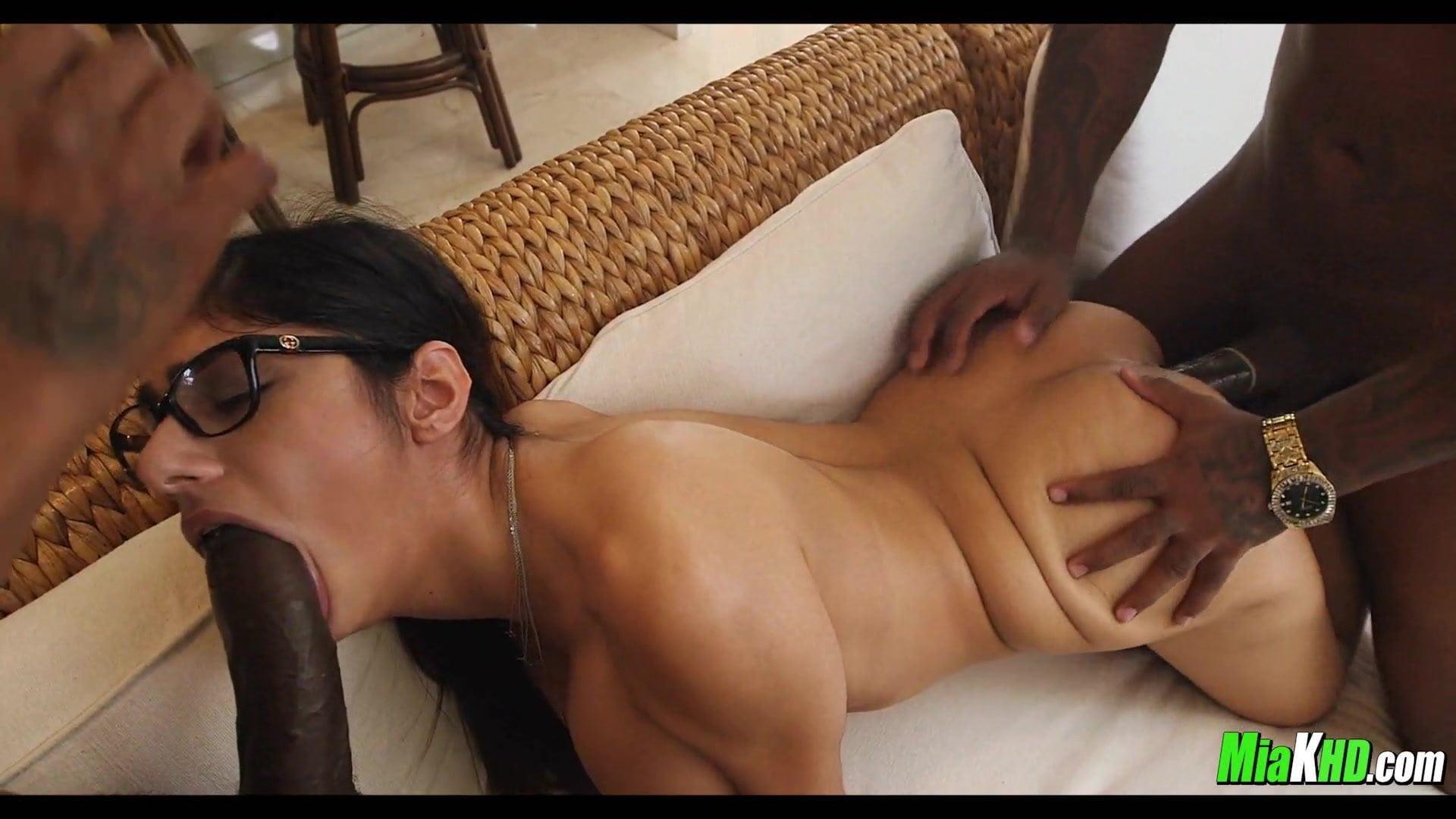 Mia khalifa interracial porn