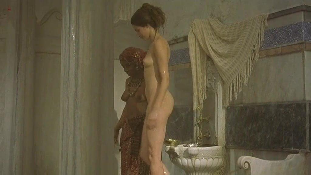 mature-walking-marie-gillain-nude-porn-girls