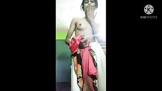 Bangladeshi girl showing her body and pussy