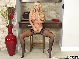 Katie morgan having sex with other girls - Solo blonde fuck doll, katie morgan masturbates wildly, in 4