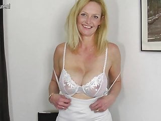 Hot jaccuzzi sex videos Hot blonde mature mom with hungry old cunt