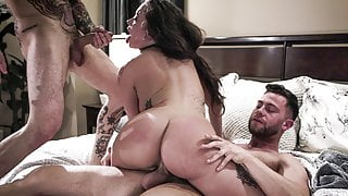 Brothers double penetrated a family friend - Gia Paige