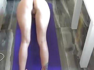 Naked hot yoga - Naked yoga