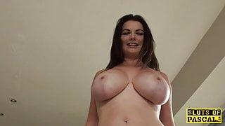 Pissing brit sub emptying her bladder in tub