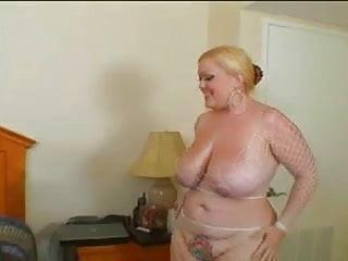 What celebrity has the best tits - Bunny de la cruz has the best buttcheeks in porn