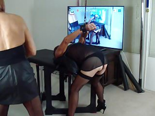Spank the woman game - Table games