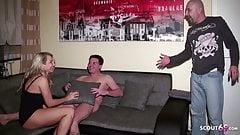 Муж застукал немецкую жену с молодым пареньком и присоединился к тройничку