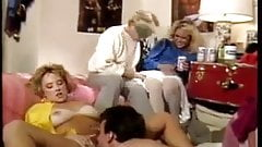 Campus Cuties (1985)