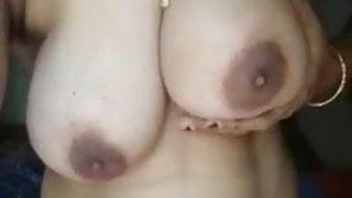 desi girls show big boobs