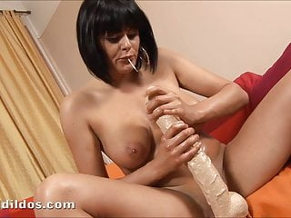 Brutal dildo frog sex - Romana has fun riding a big white brutal dildo