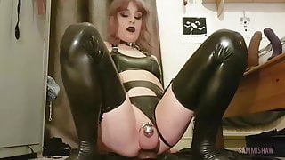 Latex Sissy Dildo Suck & Fuck
