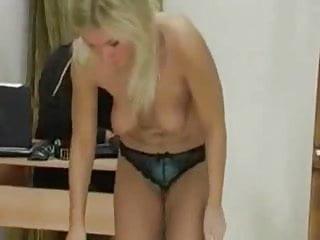 Vaginal crack bleeding Machine automaticy cracks her crack by wf