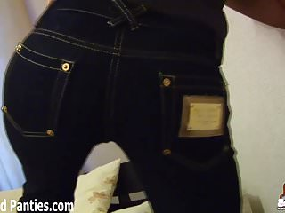 Teen girls in skinny jeans Let me shake my tight ass for you in these skinny jeans
