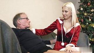 Oldman John fuck blonde in christmas