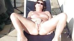 MILF Masturbates in The Sun