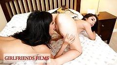 サバンナ・シックスがパーティーで女の子とセックス-ガールフレンドフィルム