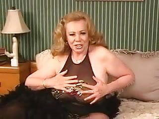 Pretty old granny pussies - Sexy old granny kitten natividad dildos her pussy