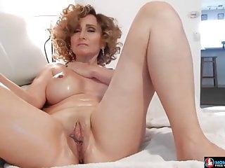 Sexy Mom Masterbating