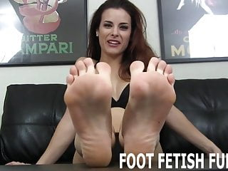 I love boys sperm - I love it when naughty boys like you jerk off to my feet
