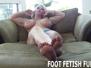 Boy feet gay - I need a slave boy who knows how to worship feet