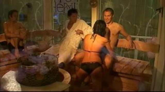 Big brother sauna nackt