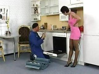 Maiden porn Silke maiden fickt mit einem handwerker.