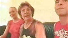 Wenn die Oma mit dem E........