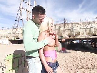 Pornstars at the beach Chicasloca - blondie fesser anal domination on the beach