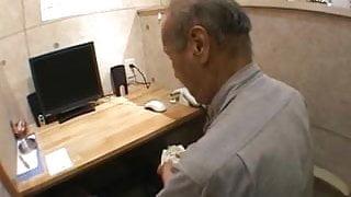 Save the Internet Cafe Refugees - Amateur Girl.