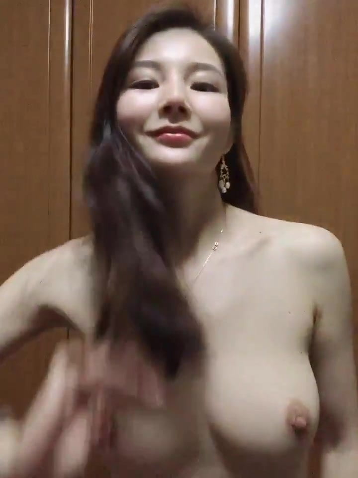 Nude girls chinese Free Chinese