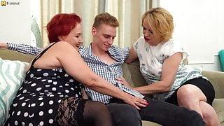 Two russian mature sluts fucked.