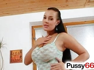Free online vagina games - Busty hottie carmen croft vagina games