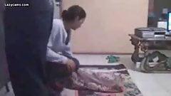 Une maman arabe se fait baiser en hijab