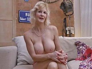 Porno over 50 Blonde: 365,585